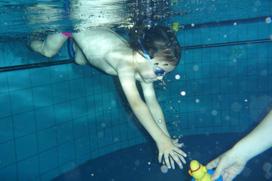 babyschwimmen-eltern-kind-schwimmen